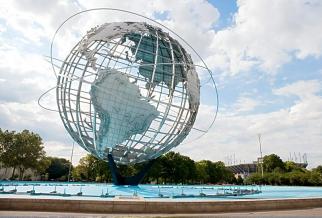 地球不锈钢雕塑